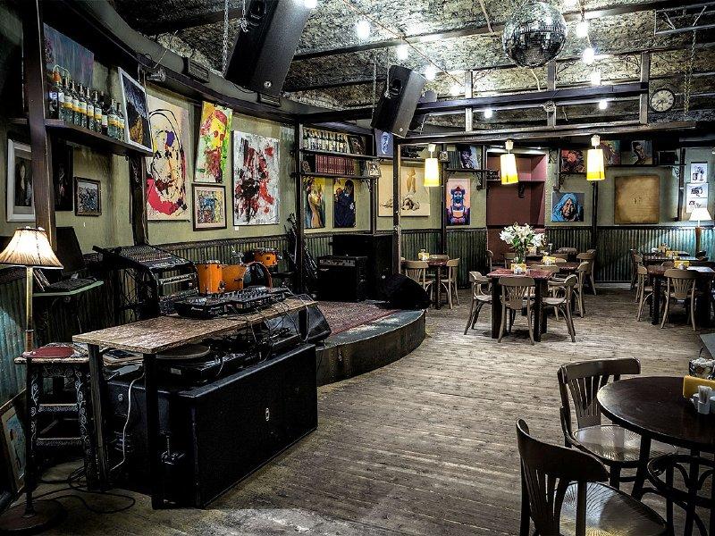 Акция дня: -50% на все меню и напитки в гастробаре и клубе «Duma Bar & Kitchen»