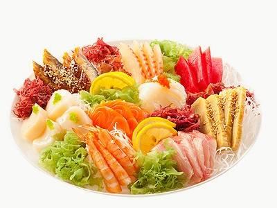 Акция дня: -50% на всё меню и напитки японской службы доставки «Monster Sushi»