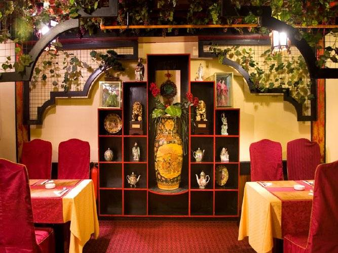 Акция дня: -50% на китайское меню и 30% на напитки в ресторане «Золотой Дракон»