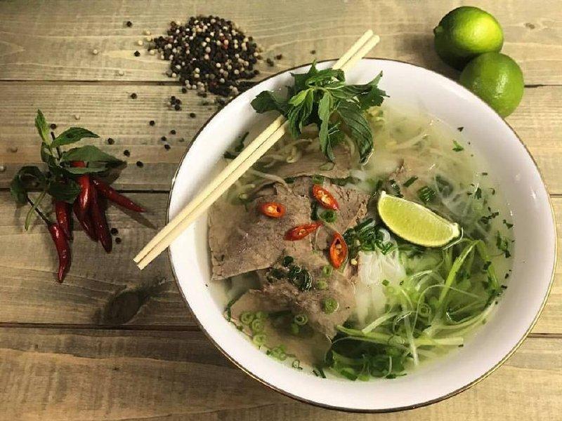 "Акция дня: -50% на все меню и напитки в кафе вьетнамской кухни ""Zelen Eco Cafe"""