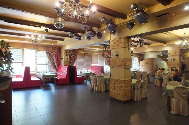 Акция дня: -50% на все меню и напитки в кафе-баре «Старый Город» в Выхино
